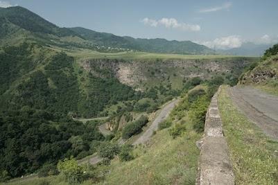 Blick auf das Sanahin Plateau