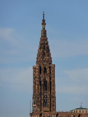 2017.08.22-091 vue sur la flèche de la cathédrale