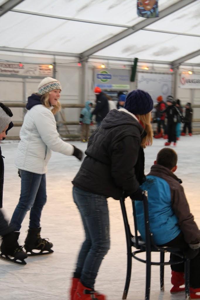 Sinterklaas bij de schaatsbaan - IMG_0306.JPG