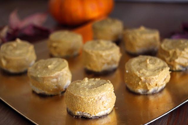 Vegan Pumpkin Pie Bites from dontmissdairy.com