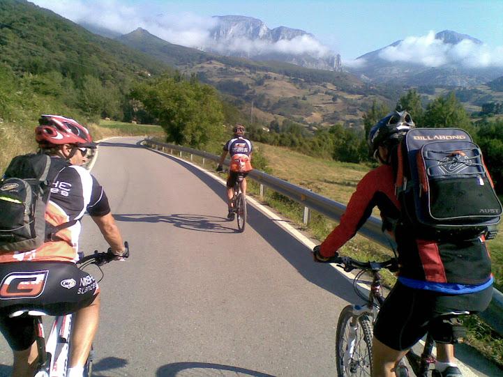 Vuelta al macizo oriental Picos de Europa - Domingo 22 15072011%2528001%2529