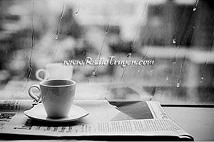 Cafe một mình trong một chiều mưa hè