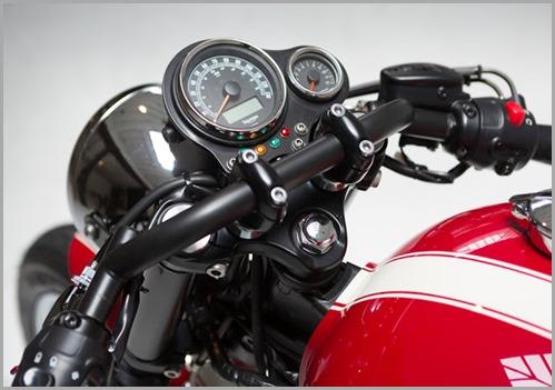 1379552682-2013-Triumph-Bonneville-Cafe-Racer-00
