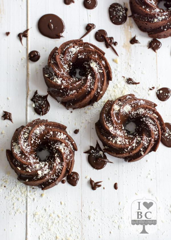 Mini Mayonaisse and Chocolate Bundt Cakes