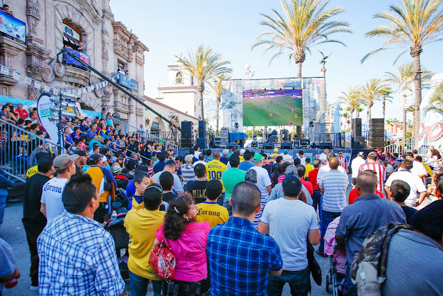 Univision Deportes Fieston Los Angeles, Plaza Mexico. Photo by German Alegria