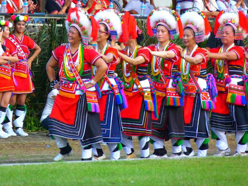 Hualien County. Liku lake. Danses Amis J 2 - liyu%2B2%2B498.JPG