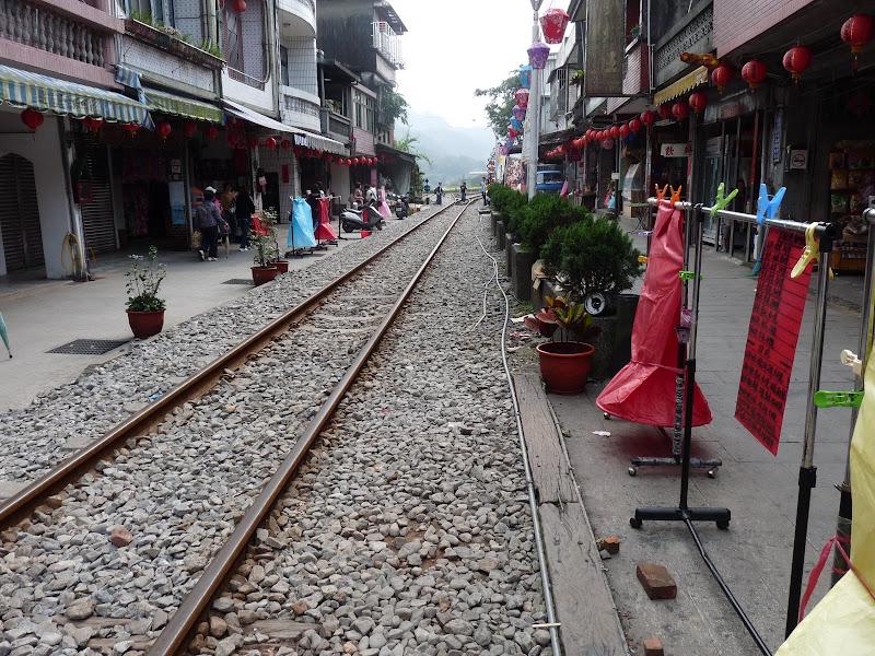 TAIWAN .SHIH FEN, 1 disons 1.30 h de Taipei en train - P1150978.JPG