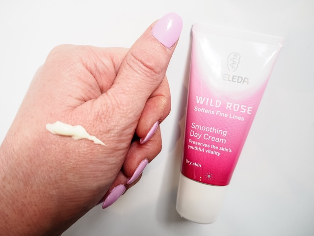 beauty-blog-review-boswell-&-Co-oxford-weleda-wild-rose-smoothing-day-cream