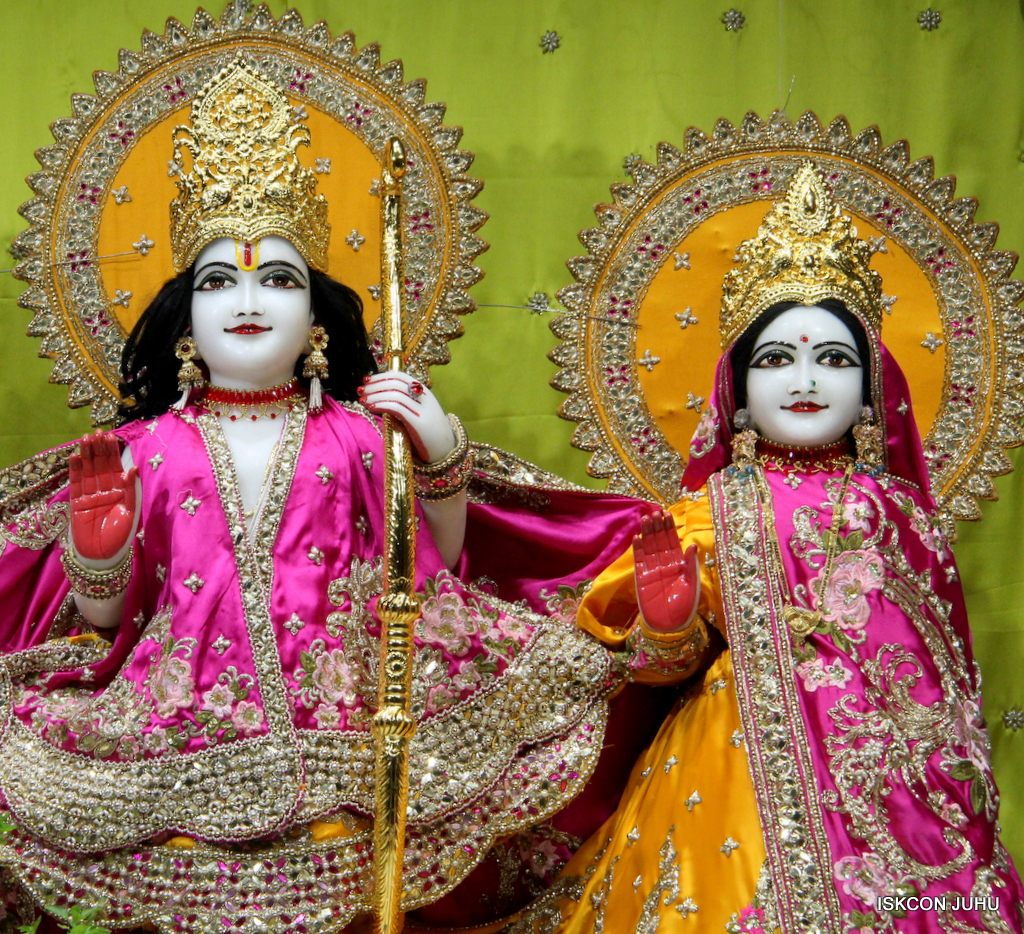 ISKCON Juhu Mangal Deity Darshan on 12th Sep 2016   (10)