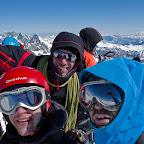 IMG_4065 - 4015m - Nico Greg et Pierre au sommet.jpg