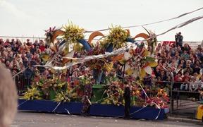 2001.02.24-141.20 bataille des fleurs
