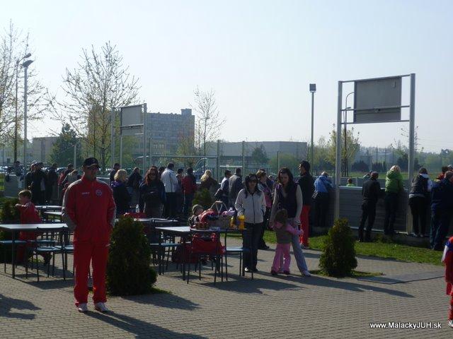 Veľkonočný medzinárodný ZLATÝ futbalový turnaj ČSFA (17.4.2011) - P1020025.JPG