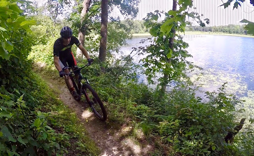 Pat Crary rolling though lakeside singletrack,  Twin Lakes. , July 26th, 2017.