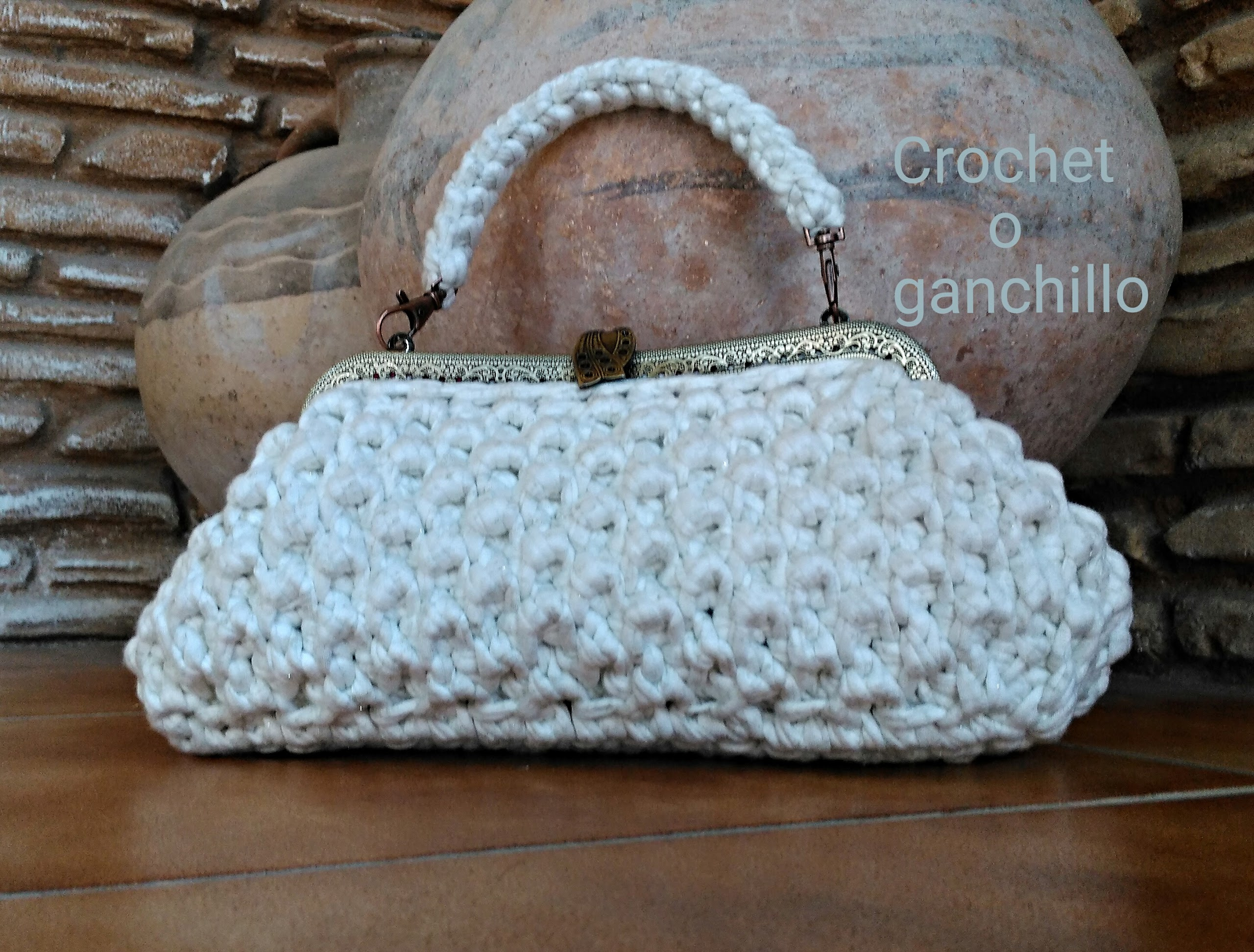 Crochet o ganchillo bolso de trapillo white for Bolsos de crochet de trapillo