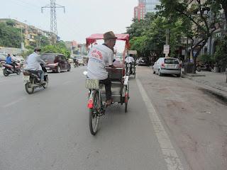 0006Pedicab_Ride_in_Hanoi
