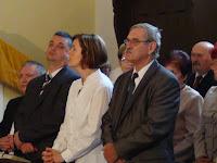 02 Az ünnepséget megtisztelte jelenlétével Marián Slovák rimaszécsi plébános is (balról).JPG