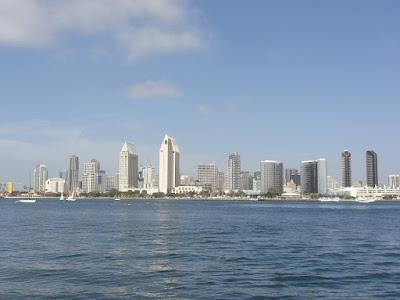Utsikt mot San Diego over sjøen.