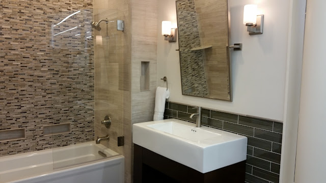 Bathrooms - 20150825_114258.jpg