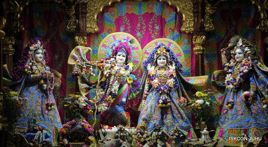 ISKCON Juhu Sringar Deity Darshan on 29th April 2016 (16)