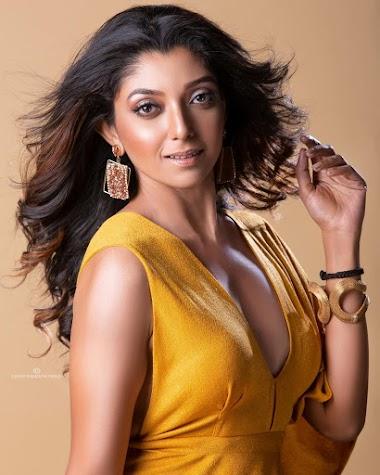 Devlina kumar Bengali actress hot photos gallery
