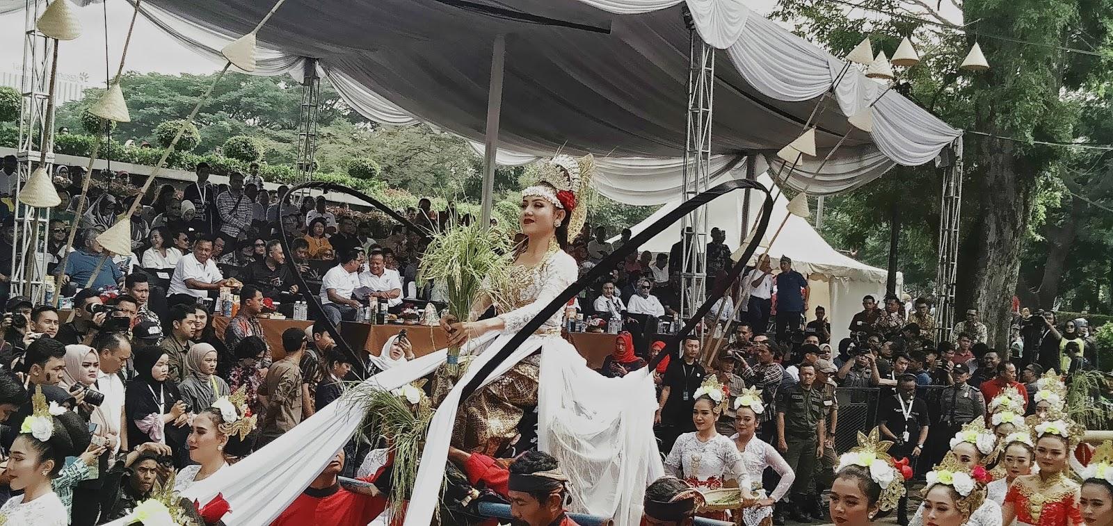 Kecantikan Nyai Pohaci sejukan Kota Kembang, Pembukaan West Java Fest 2019