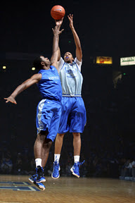 wearing brons kentucky lebron9 away 01 Wearing Brons: Kentucky Wildcats Showcase Home & Away PEs