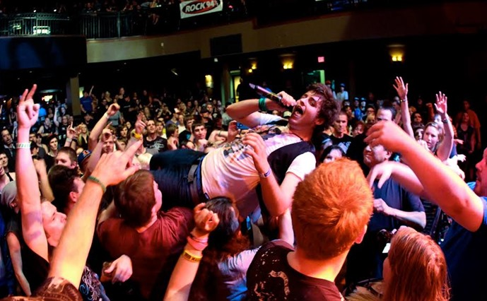 ACIDIC MIKE GOSSARD CROWDSURFING PIC