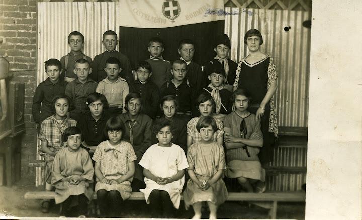 1922 - terza elementare - maestra machetta - teresio pallavidino, pino malfatti, centina malvicino, maria roggero 1914