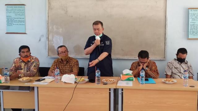 Foto: Nasrul Abit. Pendidikan Daerah Terpencil Harus Diiringi Dengan Belajar, Prestasi dan Juara Selalu.