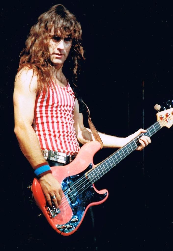 1982-steve-red-bass