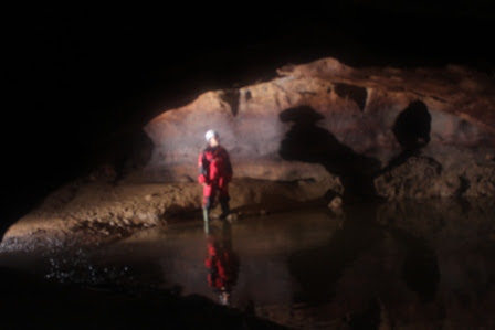 Caving Cakarlangit Indonesia