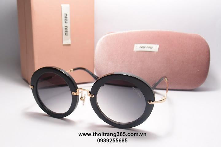 Vì vậy khi ra nắng, đeo kính bảo vệ mắt là vô cùng cần thiết. Hiểu được nhu  cầu này, Thởi trang 365.com.vn giới thiệu bạn mắt kính Nữ MiuMiu-MM02 mới  nhất ...