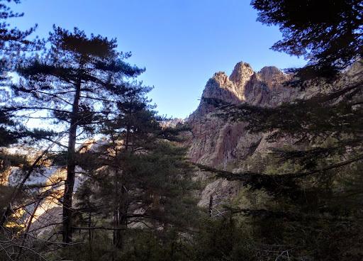 Les aiguilles de Bonifatu à l'entrée de la vallée de Meta di Filu