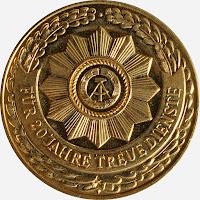 140a Medaille für treue Dienste in den bewaffneten Organen des Ministeriums des Innern für 20 Dienstjahre www.ddrmedailles.nl