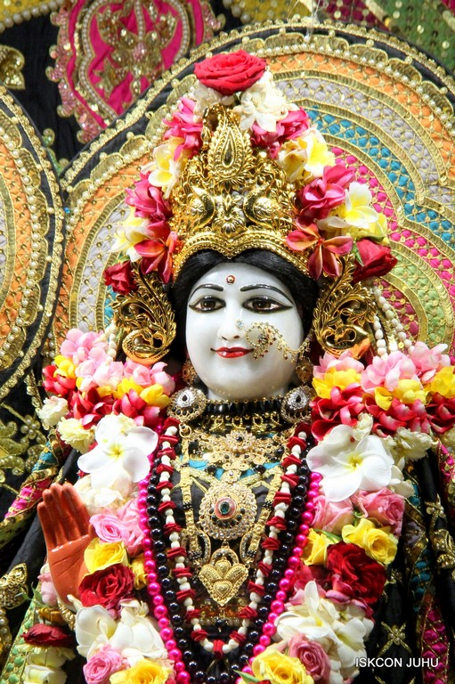 ISKCON Juhu Sringar Deity Darshan 09 April 2016 (22)