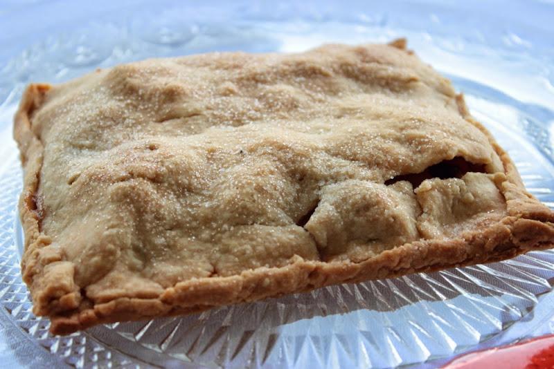 Empanadilla de manzana con pasas y nueces