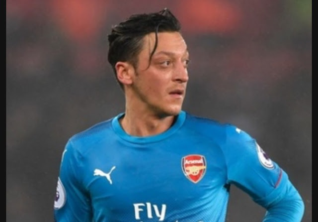 Ozil Signs New Contract with Arsenal