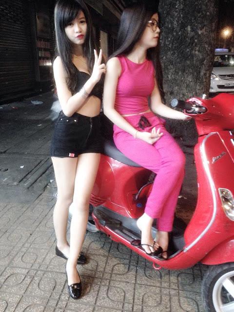 Hot girl Nguyễn Phương Trinh chân dài da trắng