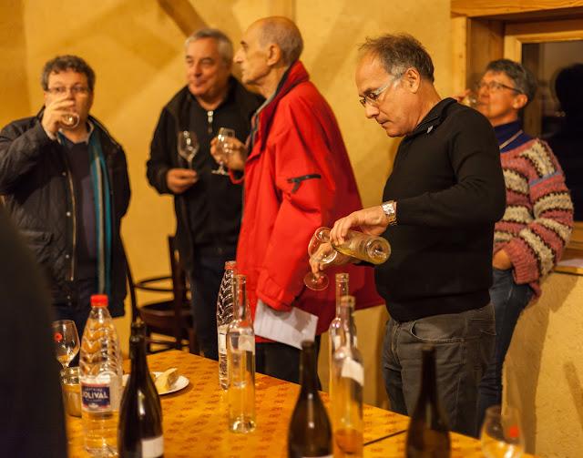 2015, dégustation comparative des chardonnay et chenin 2014. guimbelot.com - 2015-11-21%2BGuimbelot%2Bd%25C3%25A9gustation%2Bcomparatve%2Bdes%2BChardonais%2Bet%2Bdes%2BChenins%2B2014.-146.jpg