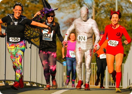 Halloween Hellraiser 2018 - runners in costume