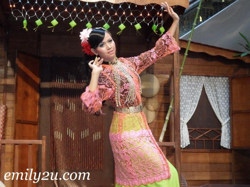 Hari Raya Menjelang Lagi Dance Performance @ Ipoh Parade