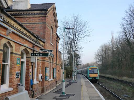 CIMG6007 Cowden station