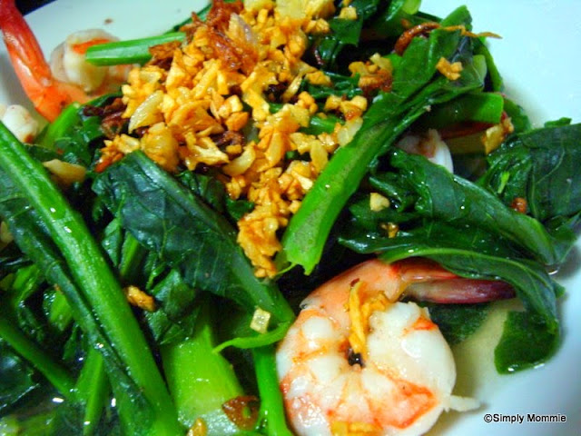 baby kailan with garlic and prawns