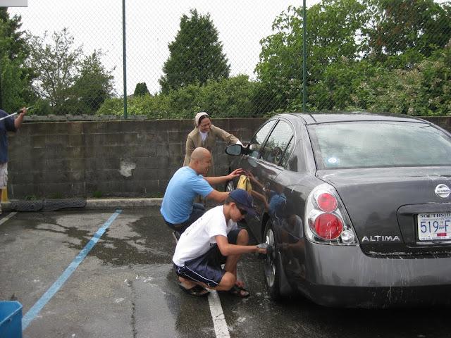 Altar Servers Car Wash 2011 - IMG_5852.jpg