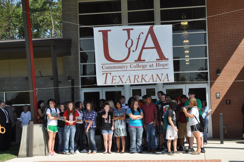 UACCH-Texarkana Ribbon Cutting - DSC_0352.JPG
