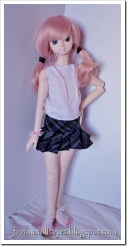 Blue plaid pleated mini-skirt for a bjd.