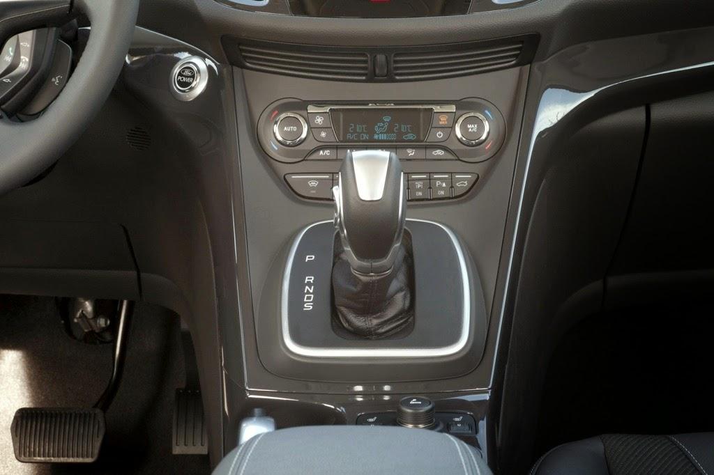 2013-Ford-Kuga-19