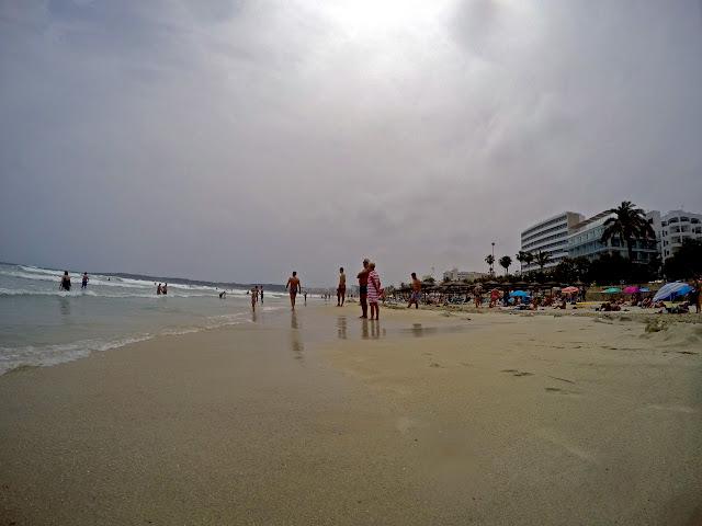 Галопом по пляжам Майорки или 50 оттенков голубого