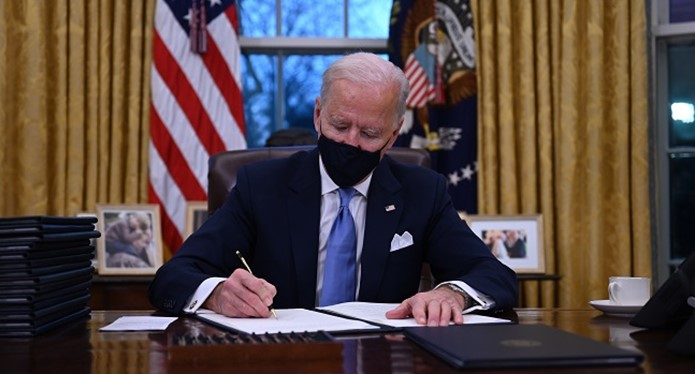 American President raises minimum wage to $15/N5,700 per hour (N4.2m monthly)