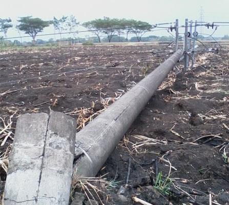 Sambangi Ngawi kota, angin kencang disertai hujab deras rusak 60 rumah warga di empat desa masuk kecamatan Ngawi kota.